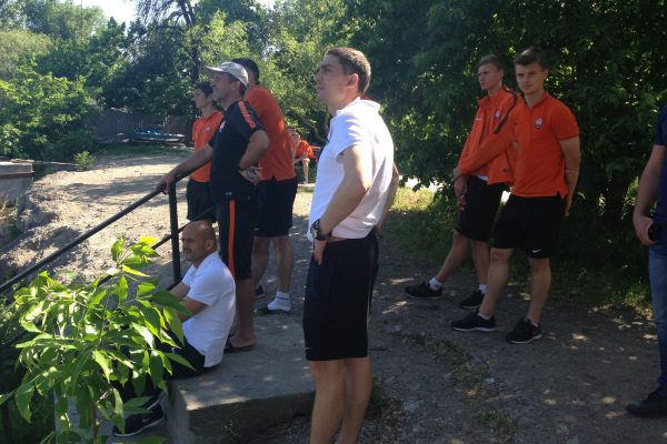 Rest time during a trip to play a game - Shakhtar U21 - May 2015