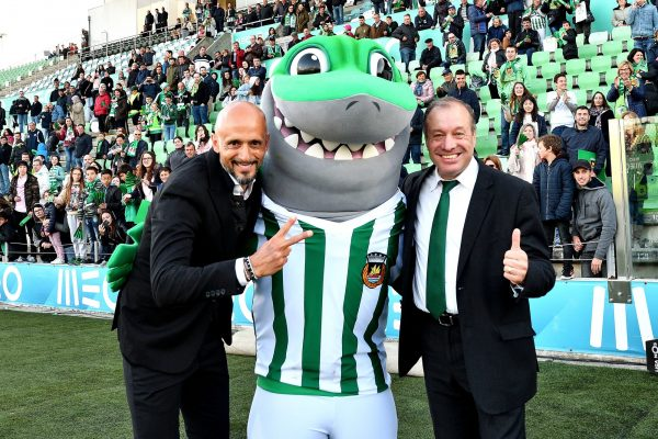 With Rio Ave President António Silva Campos and Tubas, the new mascote, after reaching the historical number of 51 points in the Portuguese Championship - May 2018