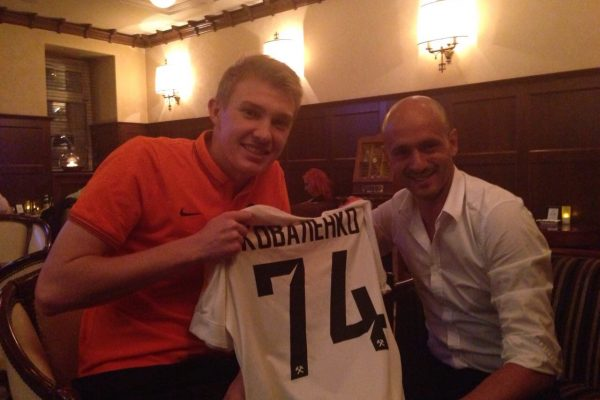 With Victor Kovalenko, receiving his shirt after he succeed entering Shakhtar 1st team